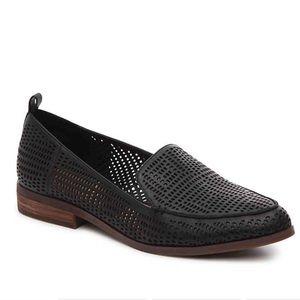 Crown vintage black perforated veneta loafer